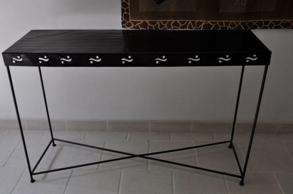 console fer forge. Black Bedroom Furniture Sets. Home Design Ideas